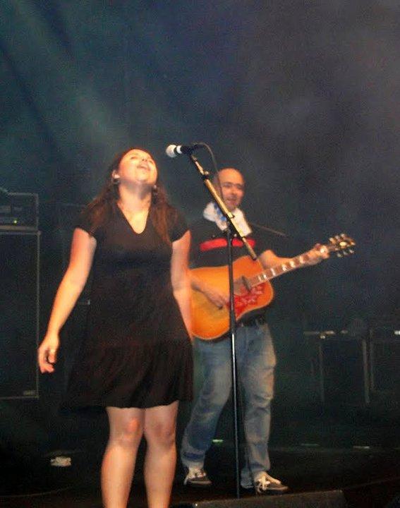 Singing (2010)